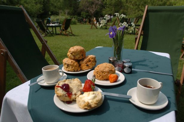 Grantchester-Tea-Table
